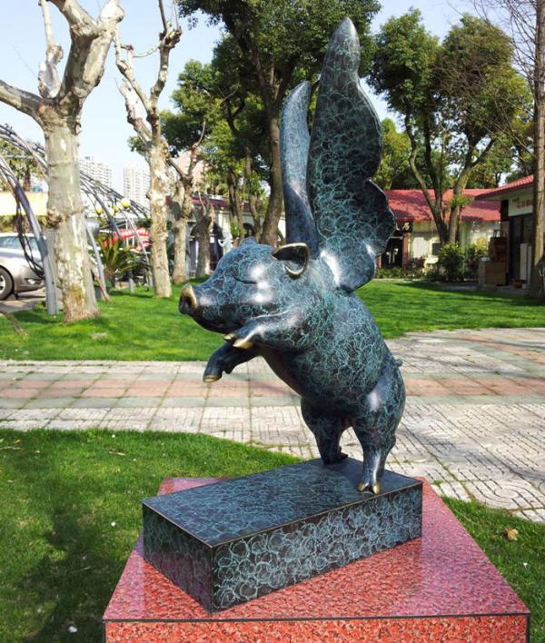 Les douze ornements de totem du zodiaque mascotte de cochon volant statue en bronze de cochon artisanat en cuivre cadeau d'anniversaire
