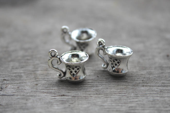 25pcs Antique Tibetan Silver Hibiscus flower pendants charms 14x12mm