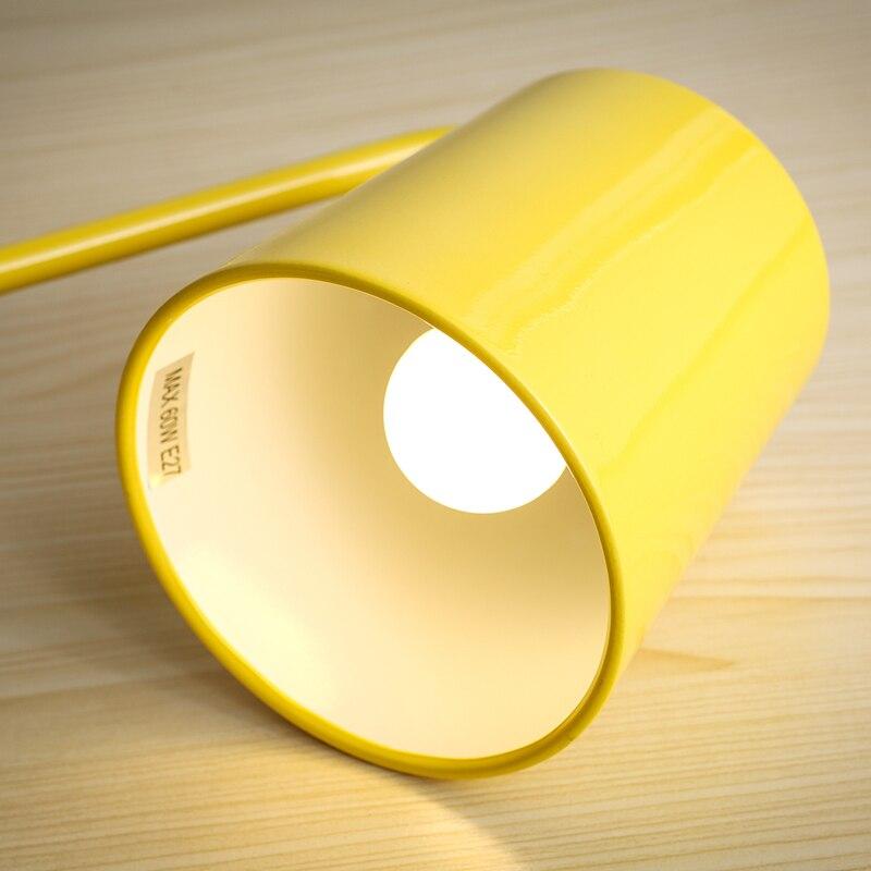 Nordic современный минималистский Утюг светодиодные лампы творческая личность чтение книги офис настольная лампа