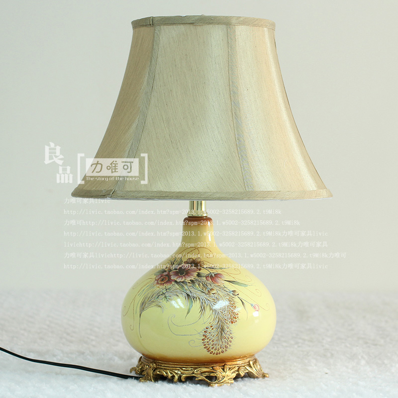 Elegant European American country style ceramic table lamp table lamp living room decorative ornaments painted bedroom bedside t couple ceramic ornaments wedding gift jewelry lovers lilin creative home furnishings living room with decorative ornaments