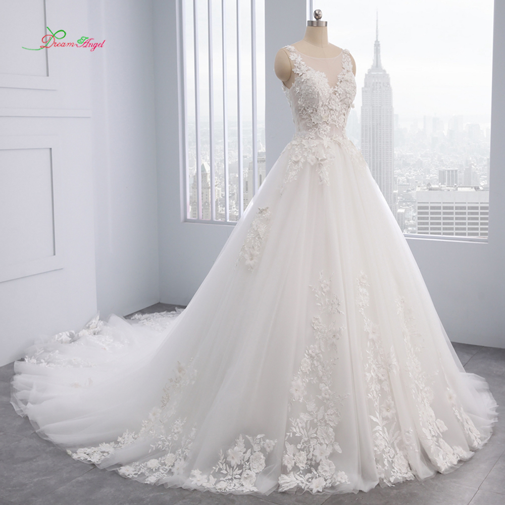 Dream Angel Elegant Flowers Lace Princess Wedding Dress 2018 Appliques Beaded Vintage Bride dresses Vestido De Noiva Plus Size