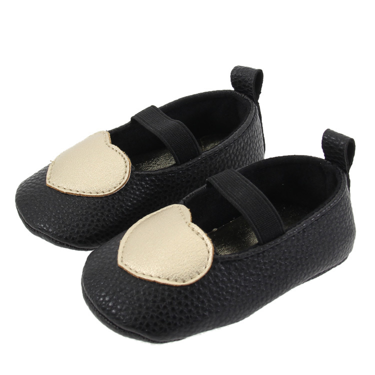 2018 Hot sale PU leather baby moccasins soft sole newborn baby girl shoes heart style first walker party mary jane shoes 0-18M