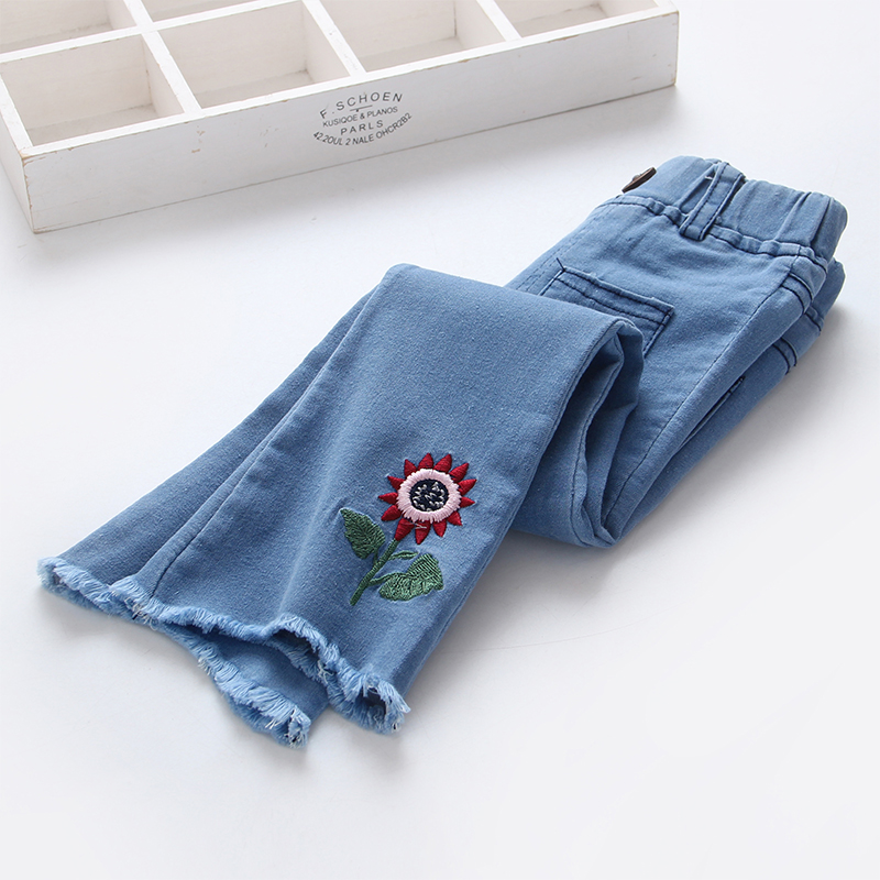 New Fashion Girls Jeans Children Pant Spring Summer 2018 Stretch Waist Flower Embroidery Pants Kids Flare Trousers