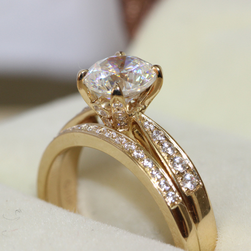 Queen Brilliance Genuine 14k 585 Yellow Gold1 Ct GH Color Engagement Wedding Moissanite Diamond Ring & Wedding Band