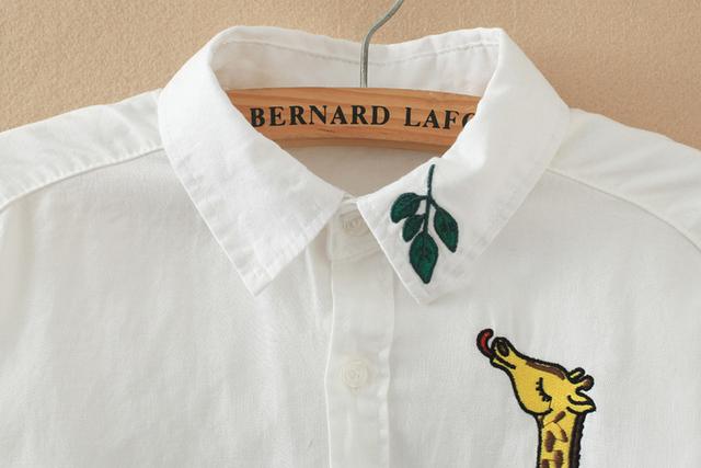 White Shirt 2017 new Cotton Casual Blouse Turn-down Collar Long-sleeve Women top Embroidery Giraffe Leaves Shirt female 614J 17