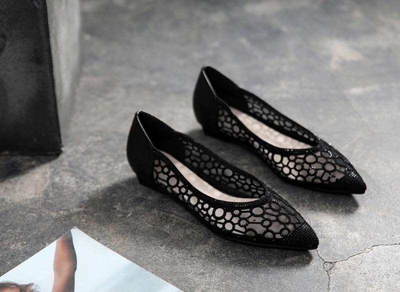New Fashionable women flat shoes