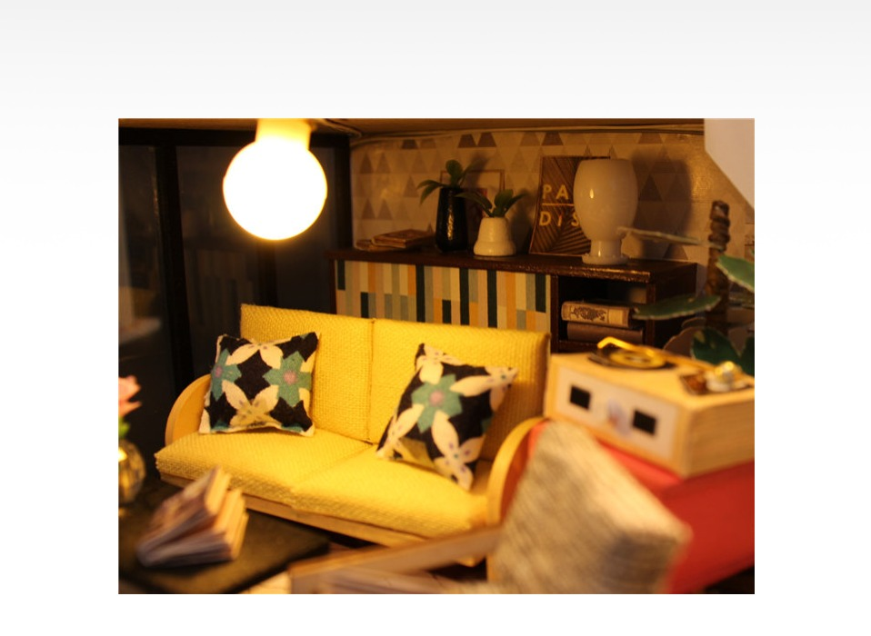 Cynthia's Holiday DIY 3D Miniature Room Set