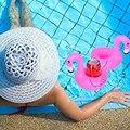 10 UNIDS Mini Juguetes Lindos Pink Flamingo Bebida Puede Holder Soporte Del Teléfono Celular Juguetes Para La Piscina Inflable Flotante Evento Fiesta en la Playa suministros