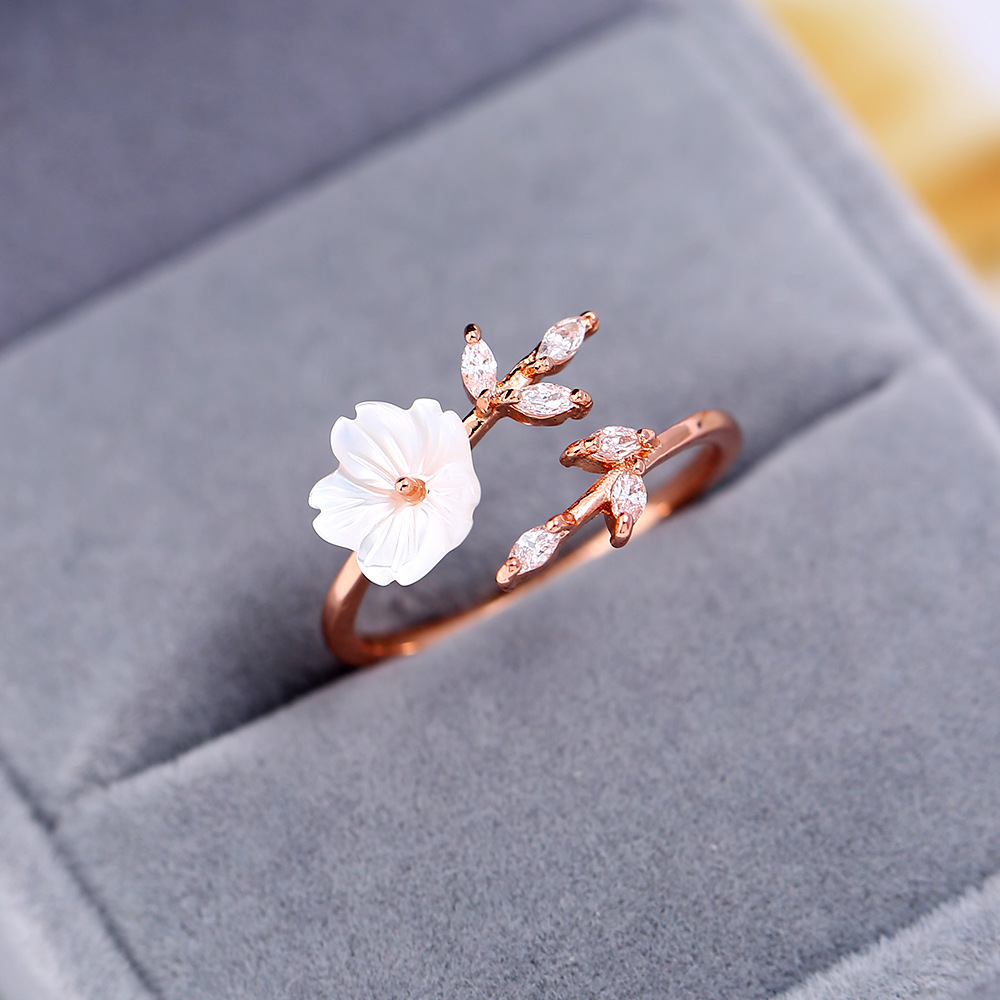 New Crystal Copper Flower branch leaf Adjustable Finger Wedding Rings for Women Rose Gold Zircon Open Ring Glamour Jewelry Gift(China)