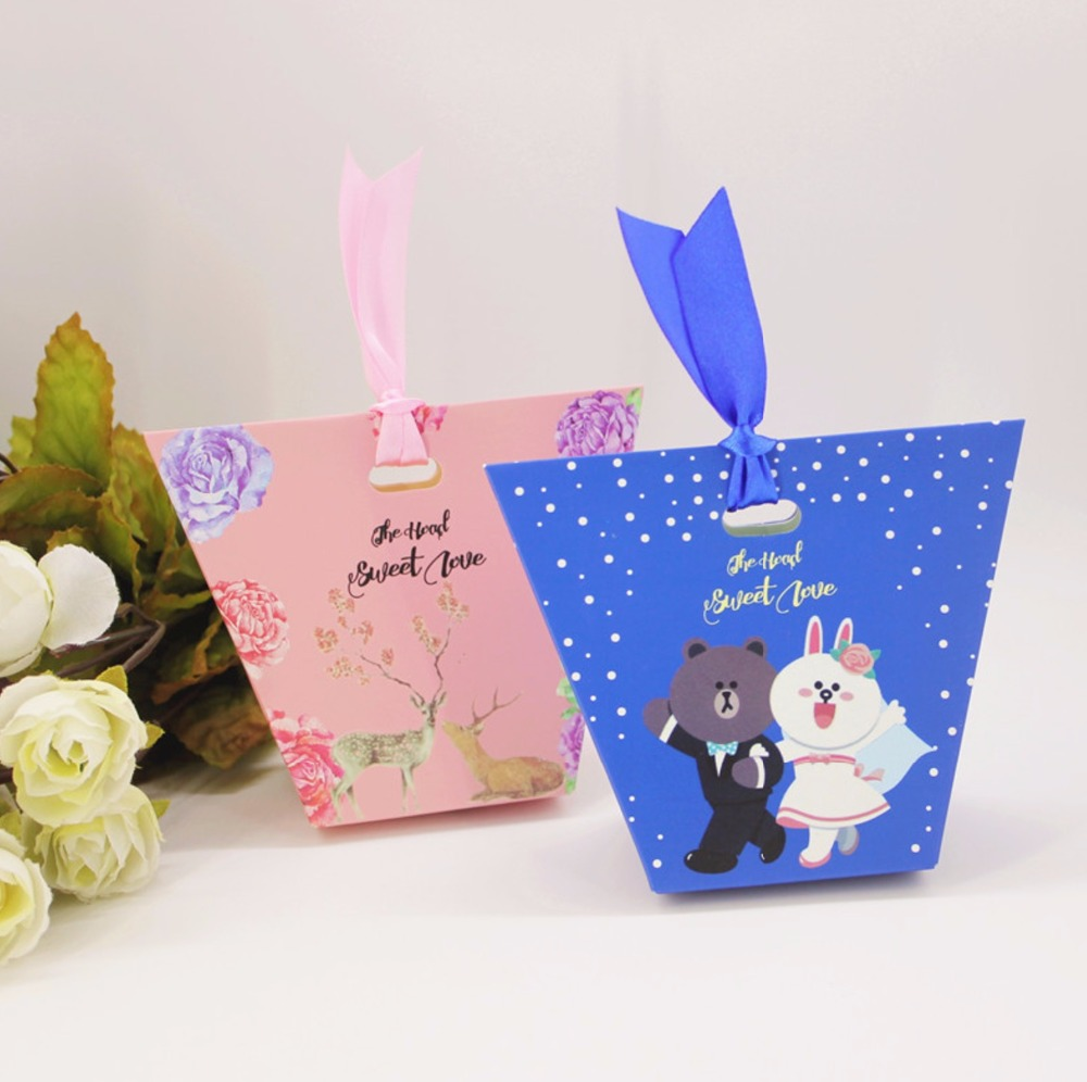 50pcs New Creative pink / blue bear deer hand carry Candy Box ...