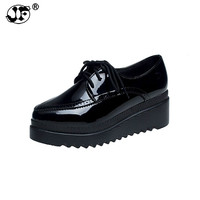 Весенние женские туфли на плоской платформе; Броги из лакированной кожи; Туфли-оксфорды на плоской подошве со шнуровкой; женская повседневн...