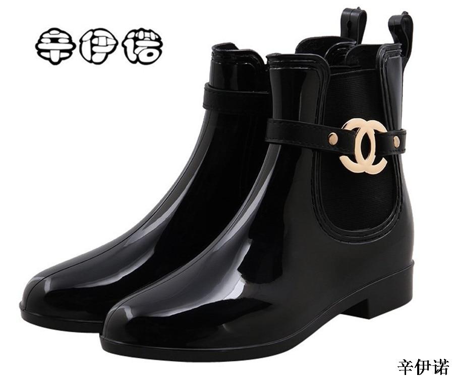 Nuevo zapatos de goma de las mujeres Botas de lluvia para las niñas señoras caminando PVC impermeable de las mujeres botas de invierno mujer tobillo Martin Botas de lluvia 36 -41