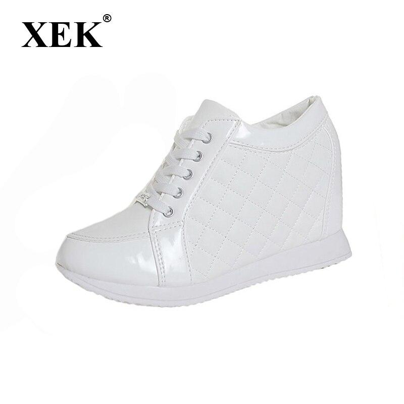 310e50da617 2017 Mulheres sapatos da moda Preto Branco Saltos de Cunha Altura Crescente  sapatos elevador sapatos Casuais