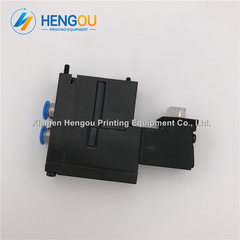 2 Pieces high quality solenoid valve FESTO MEBH-4/2-QS-4-SA M2.184.1111/05 for offset SM102 CD102 SM52 PM52 machine2 Pieces high quality solenoid valve FESTO MEBH-4/2-QS-4-SA M2.184.1111/05 for offset SM102 CD102 SM52 PM52 machine