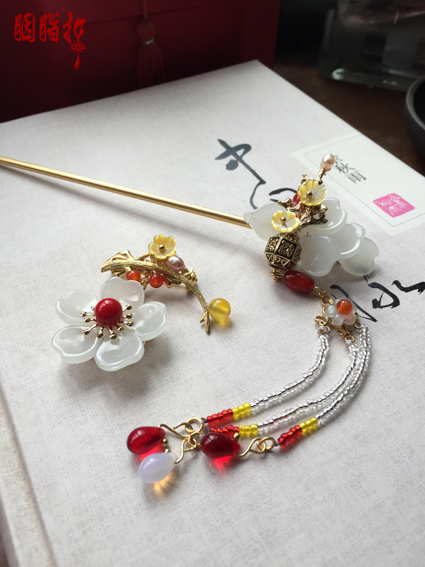 Colored Glaze White Flower Tassel Hair Stick Vintage Chinese Handmade Hair Jewelry Hanfu Cos Hair Accessory Brooch Hairpin pink crystal double layer classical hair stick vintage hair accessory hair stick hanfu hair accessory