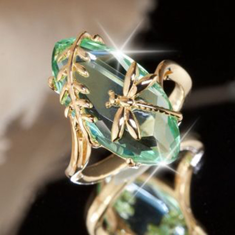 ZHIXUN 2018 New Retro Green Stone Gold Color Dragonfly <font><b>Ring</b></font> Bague for Women Girl Anniversary Birthday Gift Jewelry Shiny Anillos
