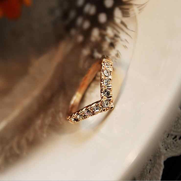 ร้อน 2019 แฟชั่นสาว V รูปร่างแหวน Bijoux ใหม่ 2018 ง่ายแหวนคริสตัลสำหรับงานแต่งงานของผู้หญิงเครื่องประดับอุปกรณ์เสริมของขวัญ