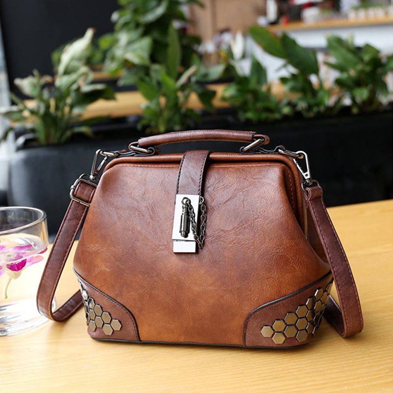 Fashion Women Handbags New Women Lock Chain Rivets Vintage Pu Leather Crossbody Shoulder Bag Ladies Doctor Bags Female Totes