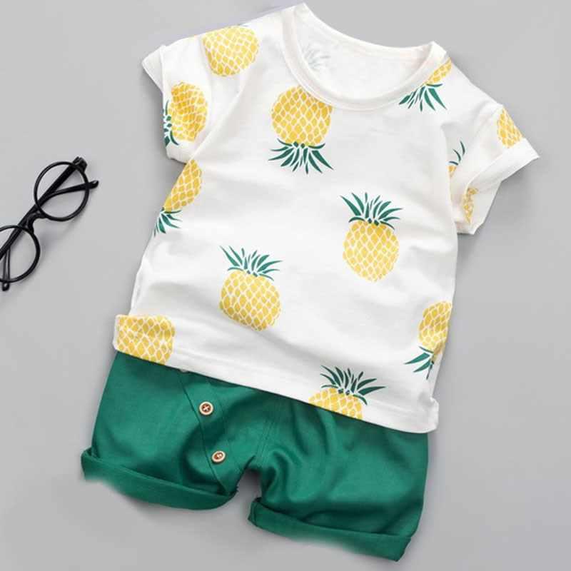 男の子服夏の赤ちゃんの女の子綿フルーツプリント半袖 Tシャツ + ソリッドカラーショートパンツ 2 個子供服