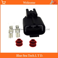 2 Pin Male Auto Water Jet Motor Plug Washer Pump Electrical Connector For Toyota Crown Lexus
