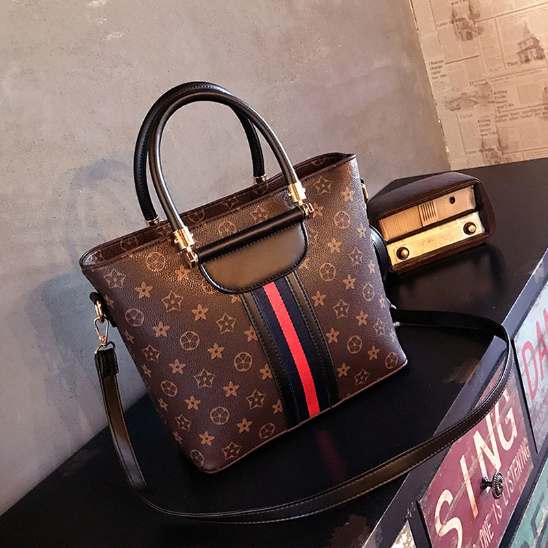 Laohuanbao 2018 new PU womens shoulder bag Europe and the United States large capacity Tote bag wild Messenger bag