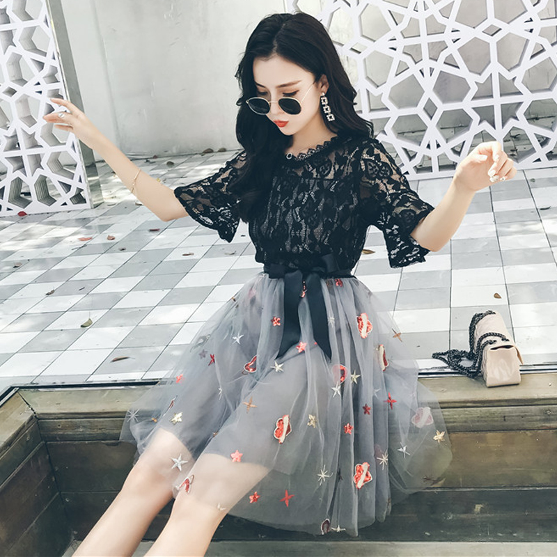 Video horn sleeve two pieces embroidery o neck 2018 New Fashion Summer Women Dress Sexy Lace Dress Female Casual Party Dresses
