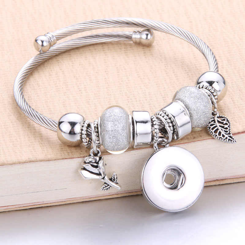 Wholesale Silver Elastic Bracelet Snaps Jewelry Bangles 18mm Charms Beaded Bracelet Snap Jewelry fit 18mm Snaps Buttons 8030
