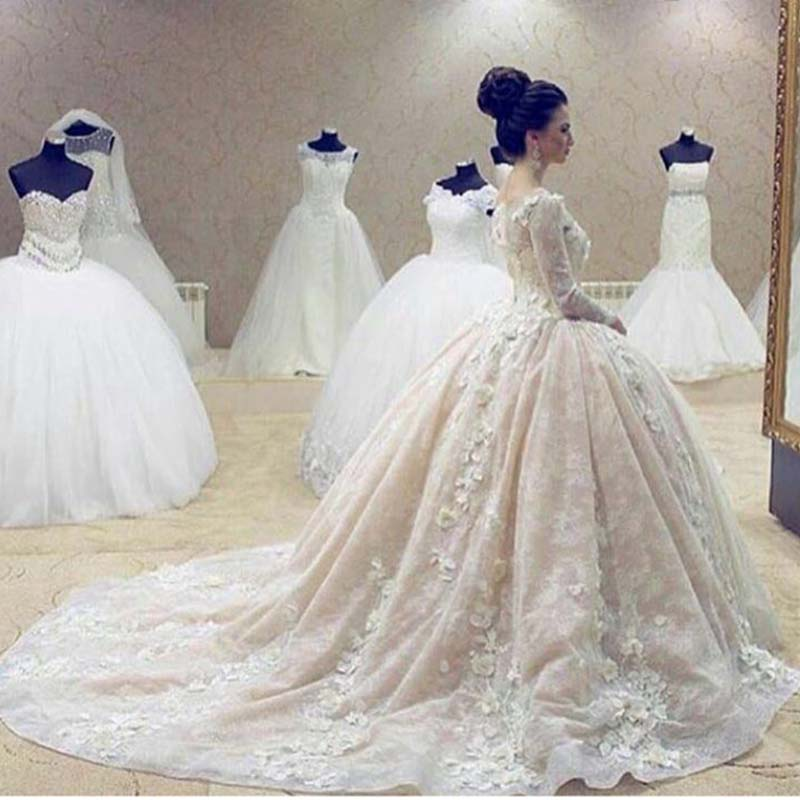 2018 Luxury 3D Appliques Bridal Ball Gown O Neck Long Sleeves Chapel Train Free Veil And Petticoat Mother Of The Bride Dresses