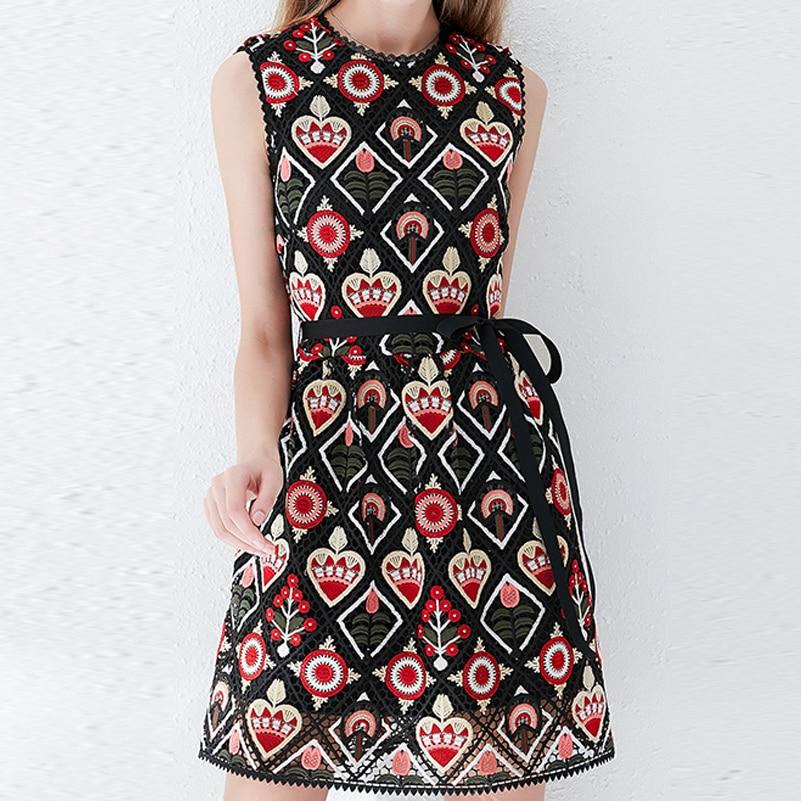 Qian Han Zi newest 2019 designer fashion summer dress Women s sleeveless Lace embroidered slim Black