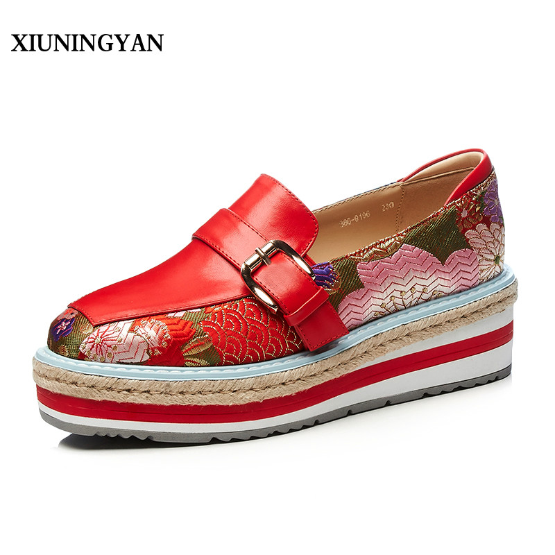 XIUNINGYAN 2018 Flowers Embroider Stitching Cow Leather Women Flats Casual Shoes Lady Platform Loafers Slip on Female Flat Shoes siketu sweet bowknot flat shoes soft bottom casual shallow mouth purple pink suede flats slip on loafers for women size 35 40