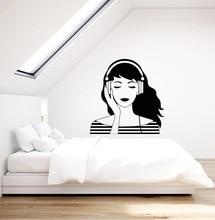 Winylowa aplikacja ścienna miłośnicy muzyki słuchawki czysta dziewczyna młodzieżowa hostel plakat strona główna artystyczny design dekoracja 2YY15