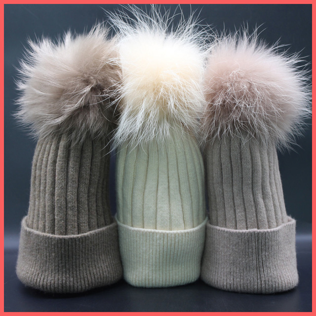 2016 new 100% raccoon fur Autumn and winter 15cm ball Knitting wool cap Keep warm pointy hat woman Paternity Thick warm Skullies