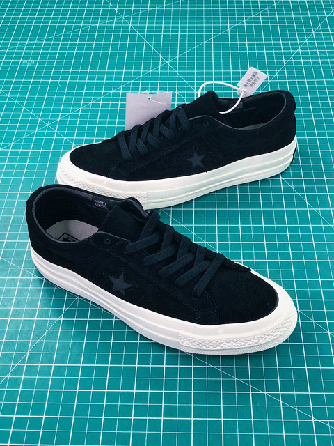 Converse CDG X Chuck Taylor 1970s HiOX 18SS Skateboarding Shoes Sport Black  Authentic For Men And Women d14db6fd5363