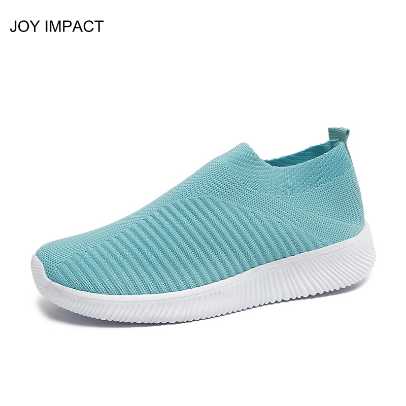 Women slip on casual shoes women breathable shoes light weight slip-on flats for lady big size sneakers zy413