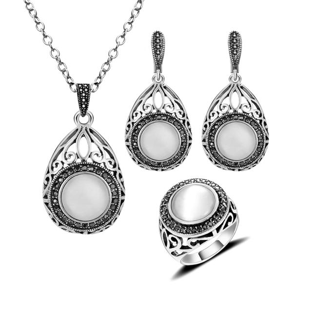 Hight Qualidade de Moda de Nova Conjunto De Jóias Antigas Oco Para Fora Da Água gota E Rodada Opala Branco Pedra Natural Conjuntos de Jóias Para mulheres
