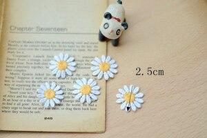 Image 4 - 10 本のデイジーの花衣料用パッチカットソー刺繍アップリケ Diy のアパレルアクセサリー衣料用パッチ