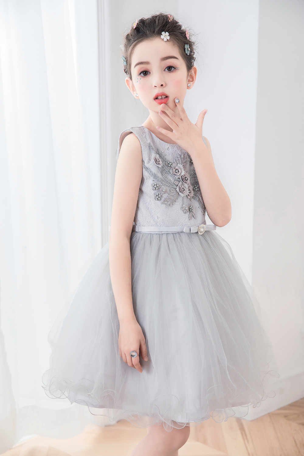Gray Sleeveless Flower Girl Dress for Wedding Tulle Kids Holy Communion Dress A-Line Knee Length Kids Pageant Dresses for Girls summer cartoon castle sleeveless girls print dress knee length princess a line dress clothes for kids 6 to 12 years old kids