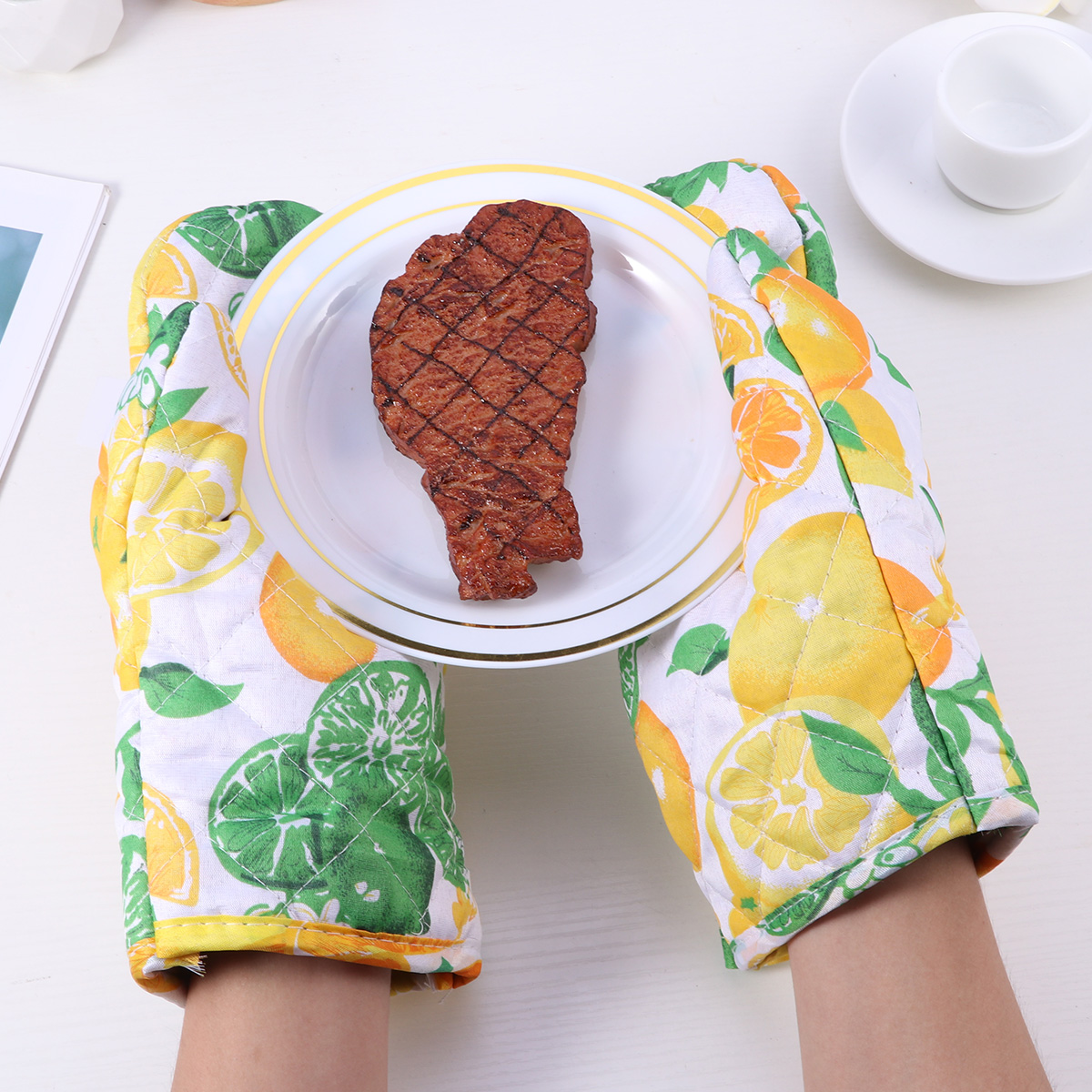 2pcs Pack Kitchen Oven Gloves Heat Insulation Anti Scald Gloves Practical Cooking Glove Microwave Oven Gloves BBQ Baking Tool in Gloves from Home Garden