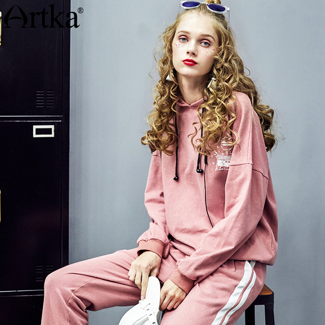 ARTKA 2018 Autumn Women Cotton Letter Printed Pullovers Drop Shoulder O-neck Full Sleeve Solid Hoodies Sweathershirt VA10085C