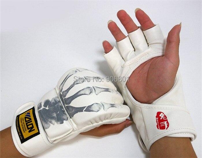 боксерские перчатки мужчины