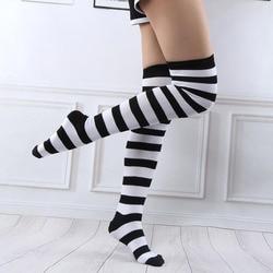 Sobre o joelho meias listradas altas para meninas femininas adorável elástico quente meias longas preto vermelho branco verde para festa de natal
