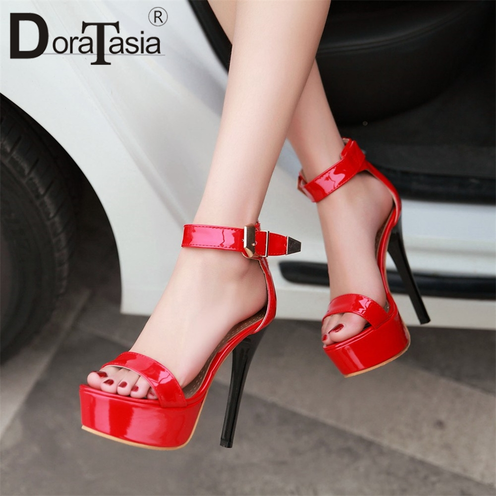 34d629aaf85 Las Alta Sandalias Negro 2019 34 Doratasia Sexy Mujer Zapatos blanco Cuadrados  Verano Mujeres 43 Fiesta Tacón rojo Nueva Plataforma Tacones De 0Udwz