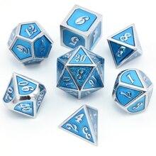 Новый шрифт прозрачный голубой цвет металла, кости 7 шт./компл. d4 d6 d8 d10 d % d12 d20 для Подземелья и Драконы RPG Настольная игра