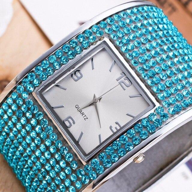 2018 Luxury Silver Womens Bracelet Watches Ladies Dress Watches Quartz Wristwatc