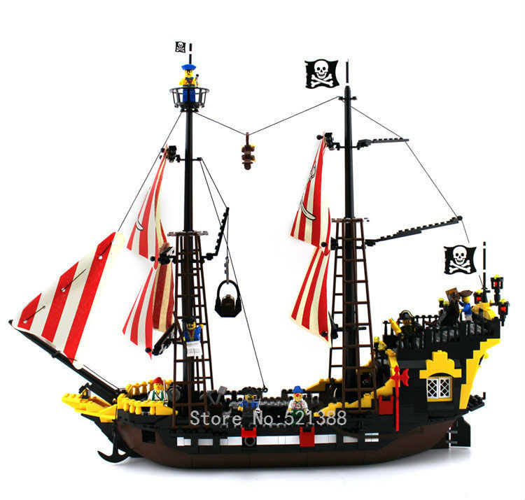 780 bricks Pirates The Brick Bounty Toys for children DIY Building Blocks CHI308 self-locking bricks Compatible with Lego 70413 32 32 dots plastic bricks the island straight crossroad curve green meadow road plate building blocks parts bricks toys diy