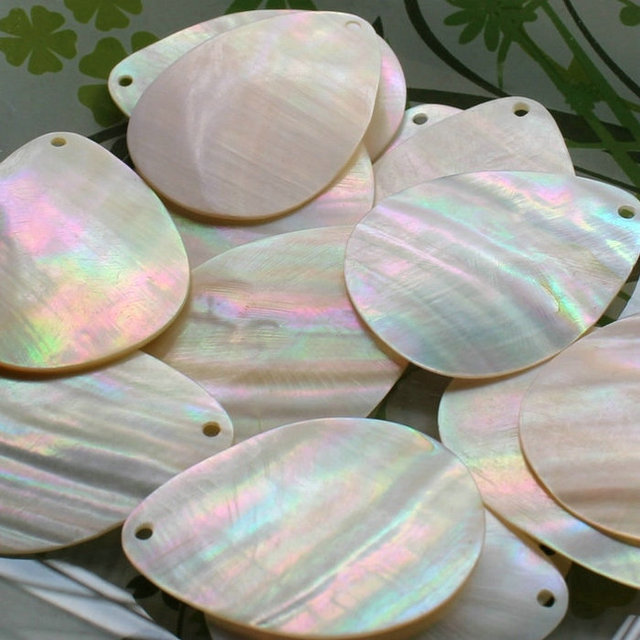 Mother Of Pearl >> 50pcs Lot 34x45mm Drilled Natural Pear Cut Mother Pearl Shell Beads