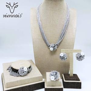 Image 2 - Viennes imitacja perły naszyjnik zestaw dla kobiet różowe złoto i srebro stop cynkowy kwiat ślub betonowa Bridal cyrkon biżuteria 2019