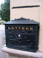 Cast Aluminum Mail Box for Home Metal Post Mailbox Wall Mount Dark Green Vintage Postal Letters Box Outdoor Garden Ddecoration