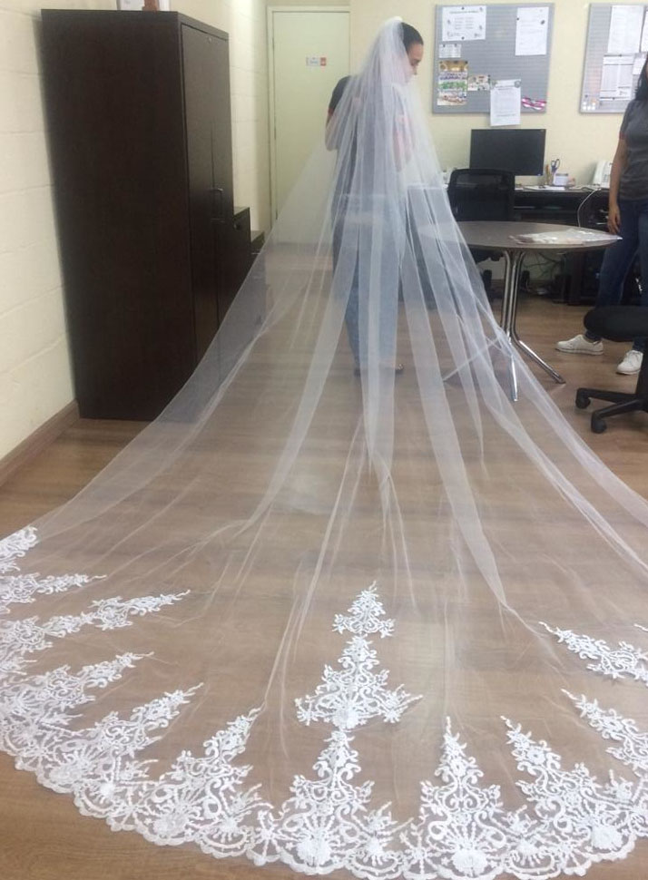 4 Meter White Ivory One Layer Beautiful Cathedral Length Lace Edge Wedding Veil With Comb Long Bridal Voile Mariage 2018 In Veils From Weddings