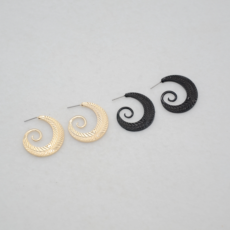 Free shipping fashion ladies jewelry 2017 new Personality spiral shape metal girl earrings personalized of girls